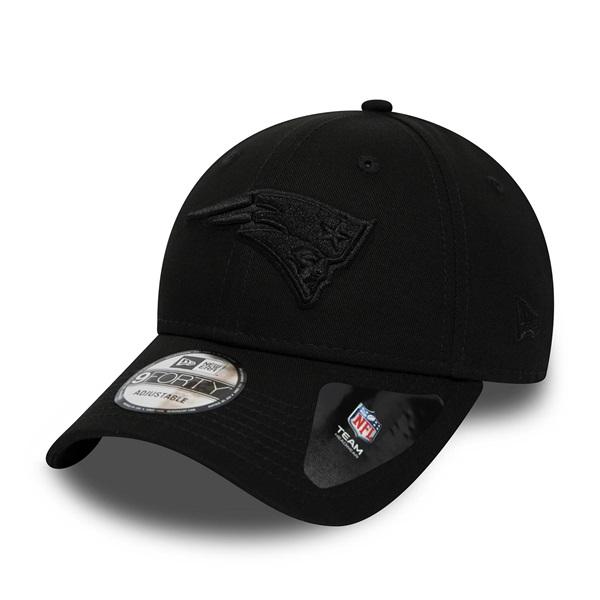 6905f7a82a0 New Era New England Patriots Black on Black 9FORTY Snapback NFL Cap ...