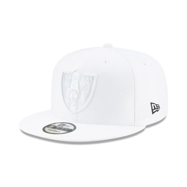 Oakland Raiders 2019 NFL On-Field Sideline Platinum 9FIFTY Snapback Cap