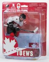2014 Olympia Team Canada Jonathan Toews White Jersey Variant Figur