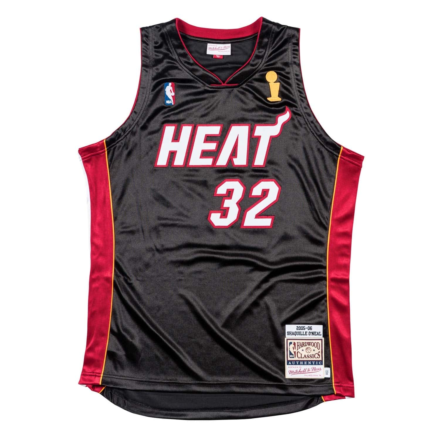 57a0406822a Mitchell   Ness Shaquille O Neal  32 Miami Heat 2005-06 Authentic NBA  Jersey Black