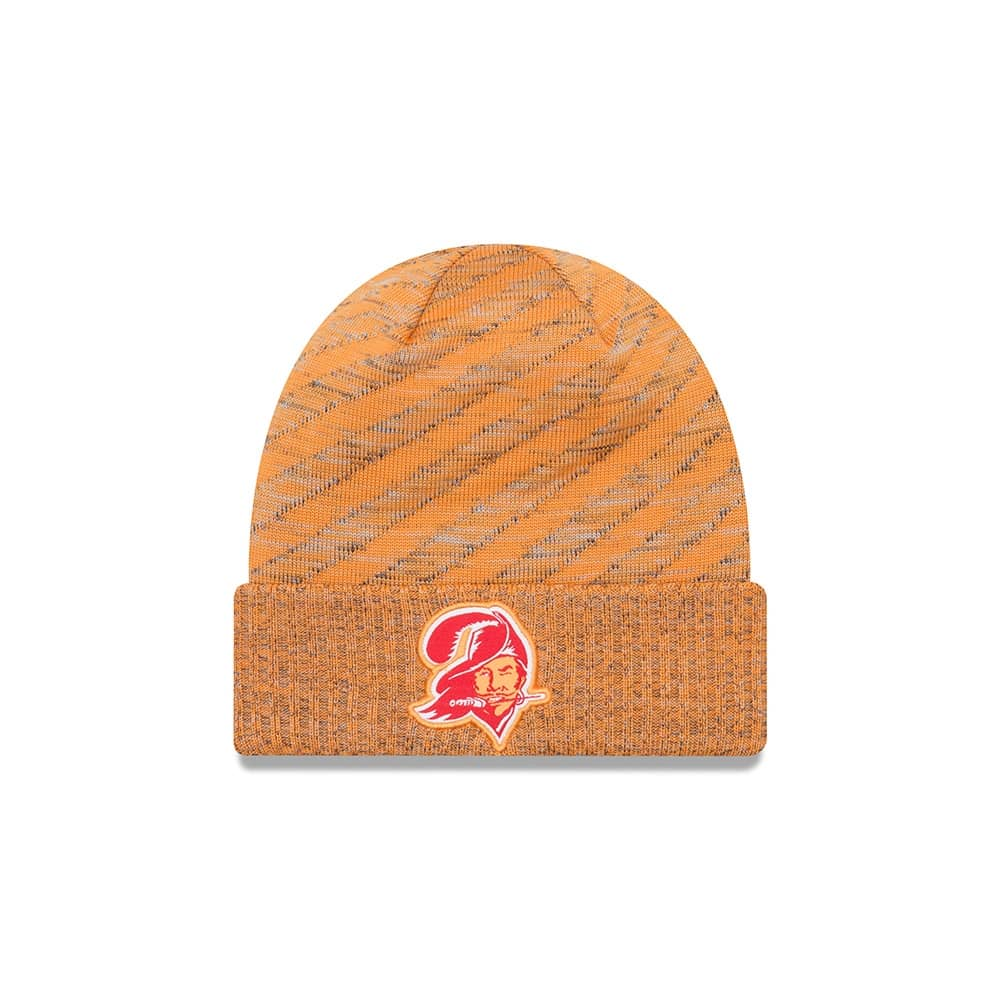 New Era Tampa Bay Buccaneers HISTORIC 2018 Sideline Touchdown Knit NFL  Beanie  408e6bf84