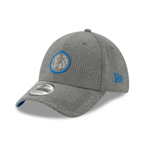 Dallas Mavericks 2019 NBA Authentics Training 39THIRTY Stretch Fit Cap