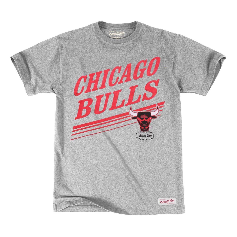 f84773b7c7e Mitchell   Ness Chicago Bulls Spin Move NBA Tee Grey
