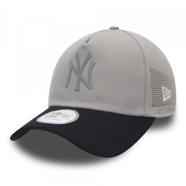 size 40 38452 a2eb0 New Era New York Yankees Reflective Patch Trucker Adjustable MLB Cap   TAASS .com Fan Shop
